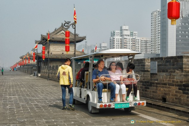 Getting around on the Xi'an City Wall